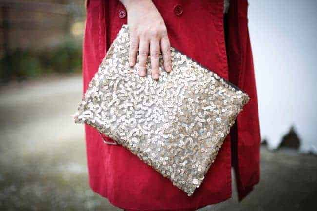 DIY Sequin Clutch   11 DIY Bags for All Your Needs