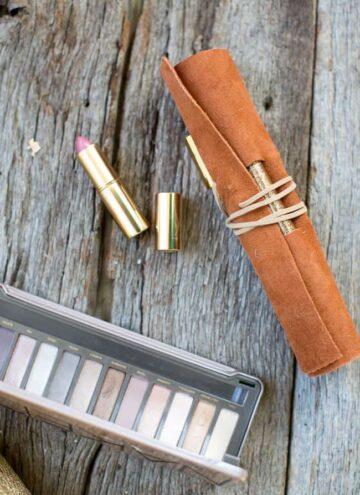 Makeup brush holder DIY - Hello Nest