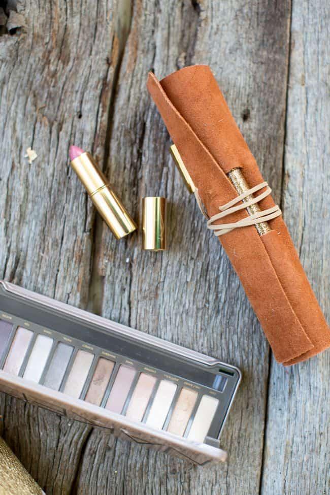 DIY Makeup Brush Holder   Hello Glow