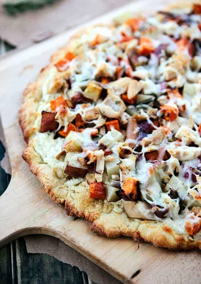 Winter Veggie Pizza with Chicken | Hello Glow