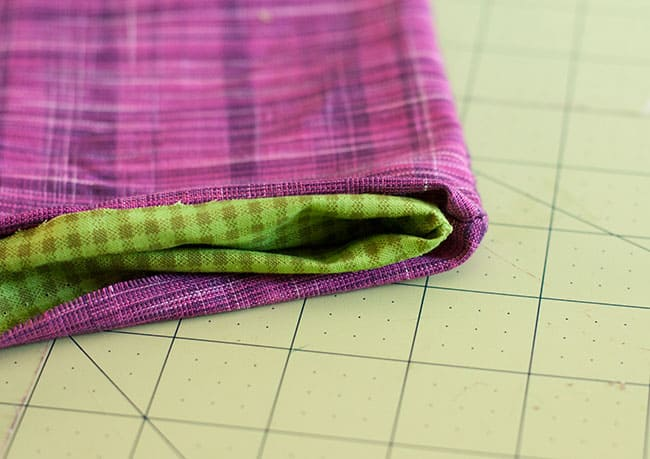 DIY Zipper Clutch   Hello Glow