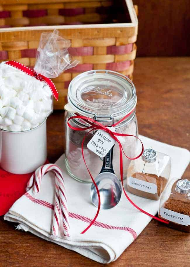 homemade-hot-cocoa-mix-DIY-gift-package-2