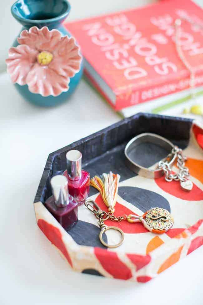 Old Scarf DIY Jewelry Tray | Hello Glow