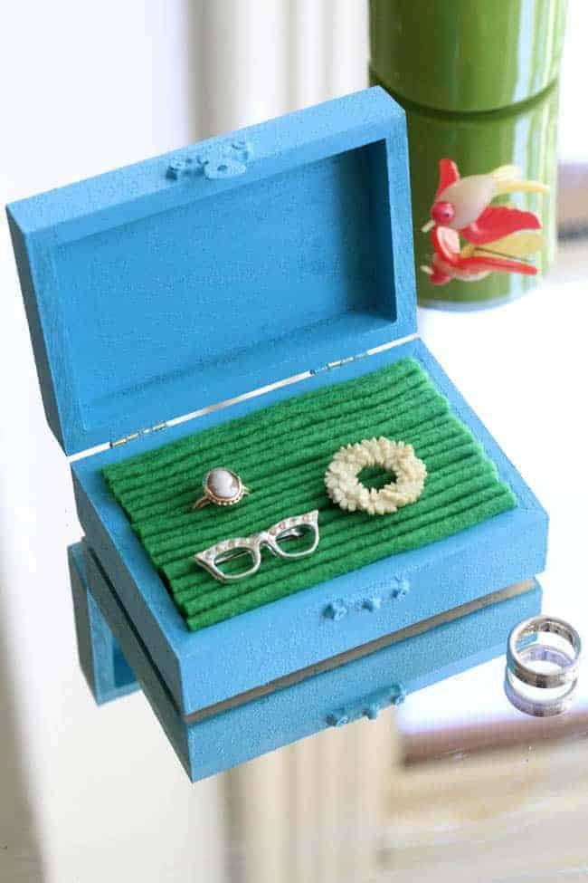 DIY Jewelry Box with Felt