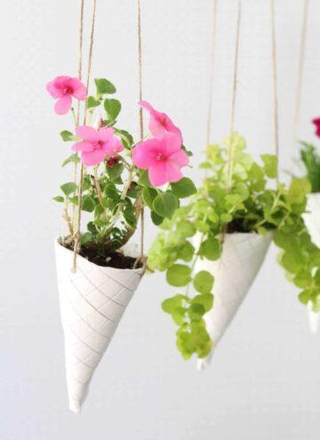 DIY Hanging Planters - Hello Nest