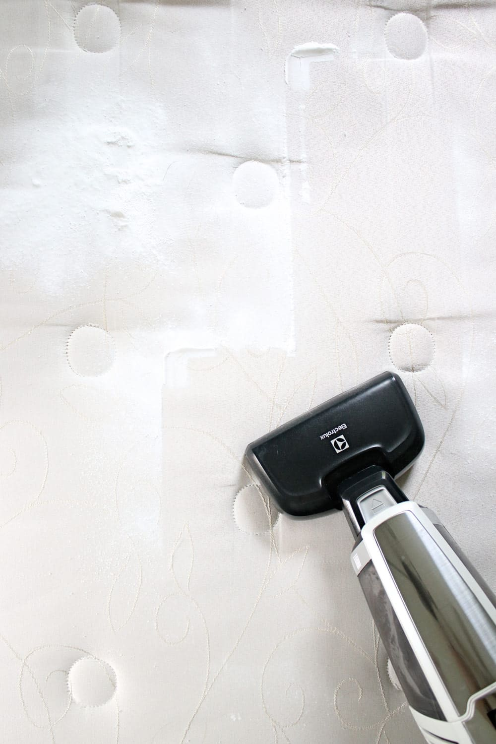How to Clean a Mattress in 6 Simple Steps