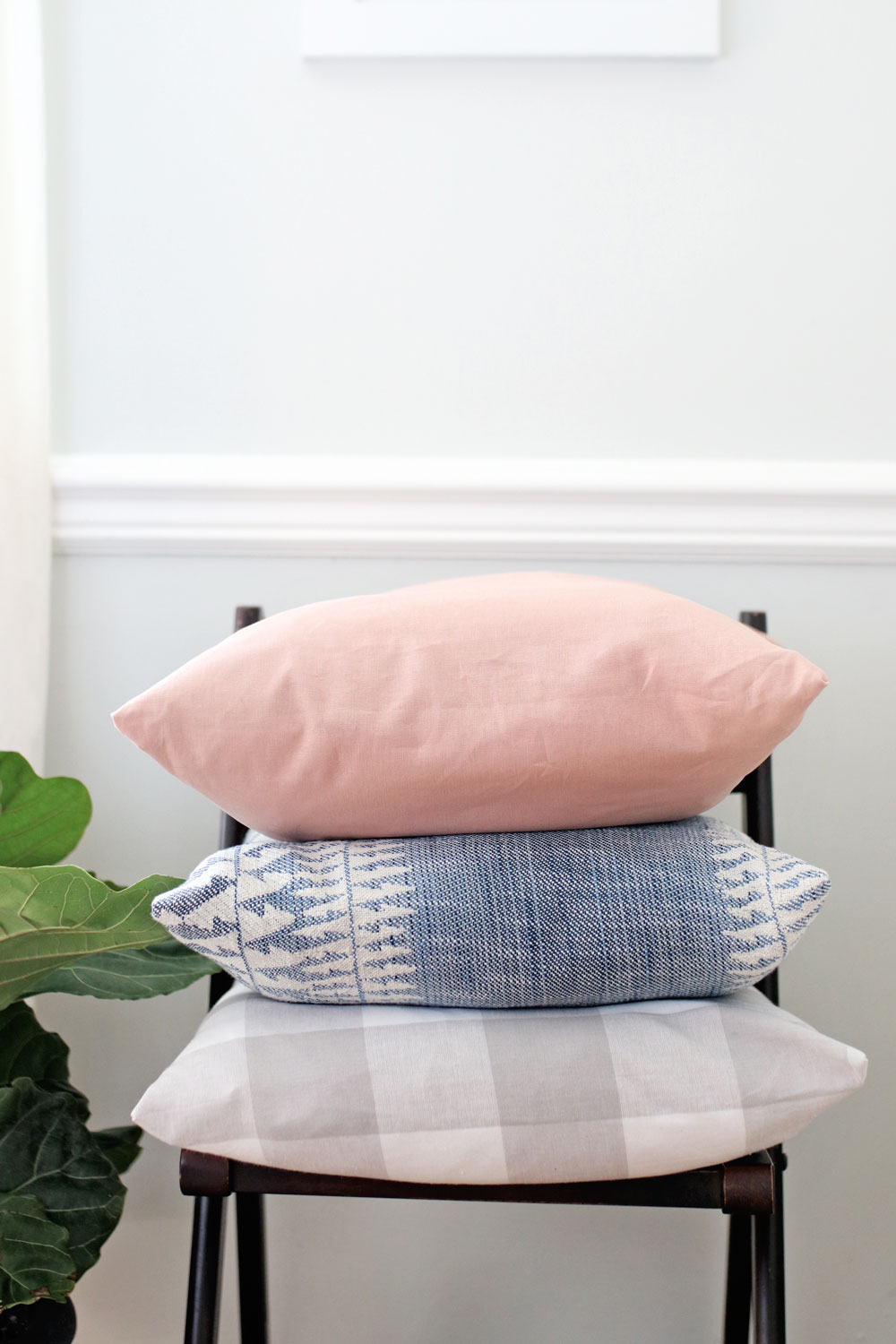 Envelope Pillows | Homemade Gift Ideas