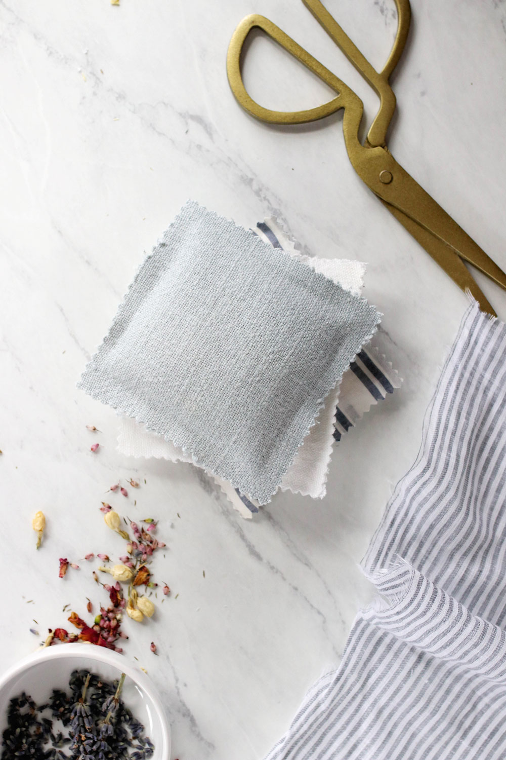 How to make DIY sachets for drawers