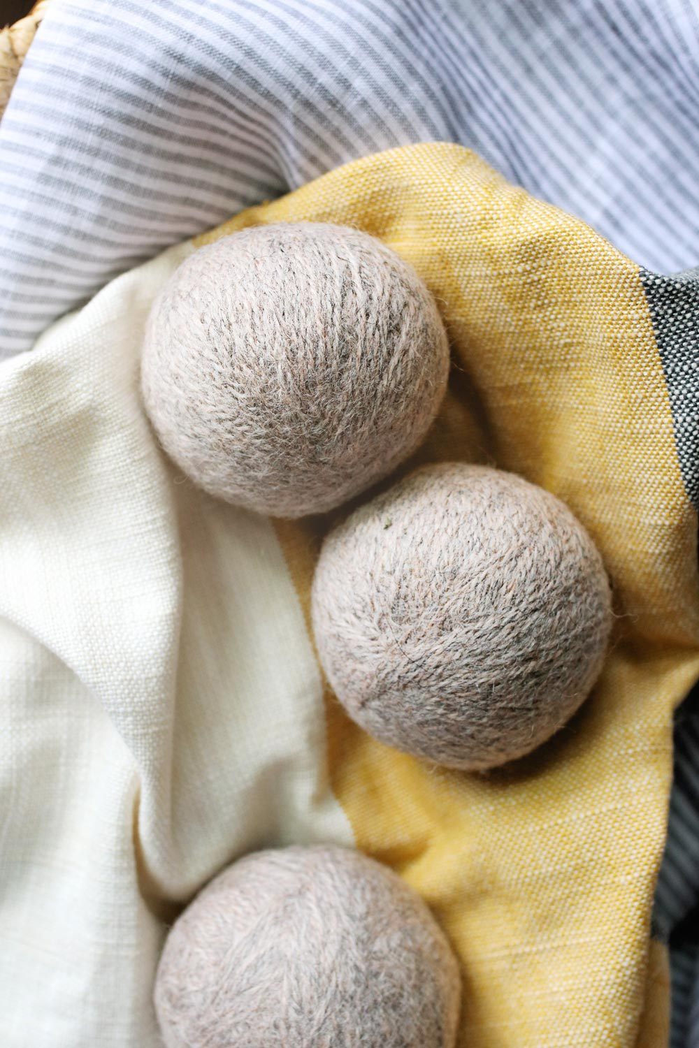 Wool Dryer Balls | Homemade Gift Ideas