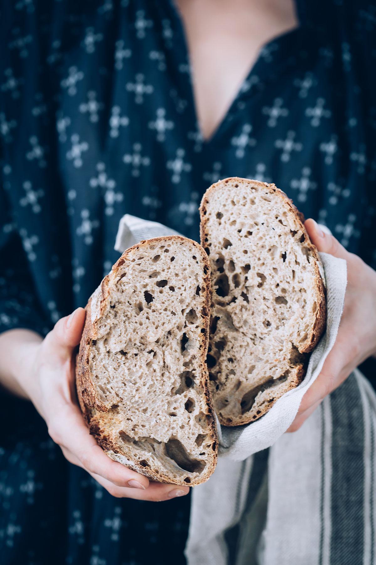 How to Make Sourdough Bread Starter