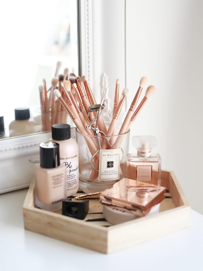 Brushes holder from Kate La Vie | 8 Creative Candle Jar Uses