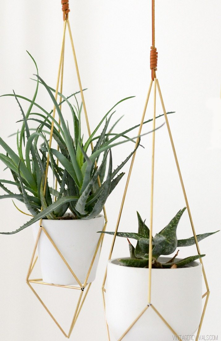 Geometric Brass Planter from Vintage Revival | 7 Hanging Planter DIYs