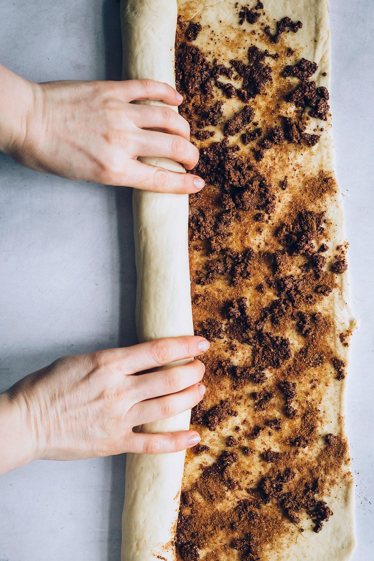Homemade Vegan Cinnamon Rolls Recipe