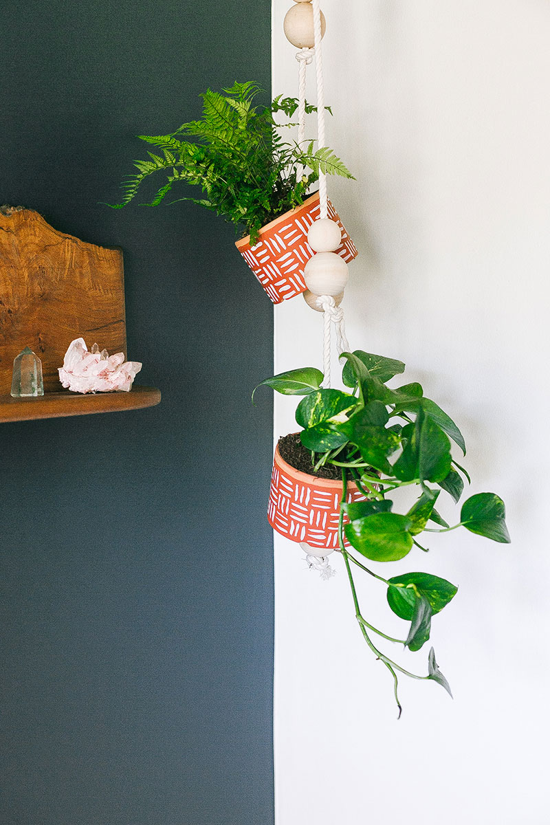 Painted Hanging Planter DIY from Jojostatic | 7 Hanging Planter DIYs