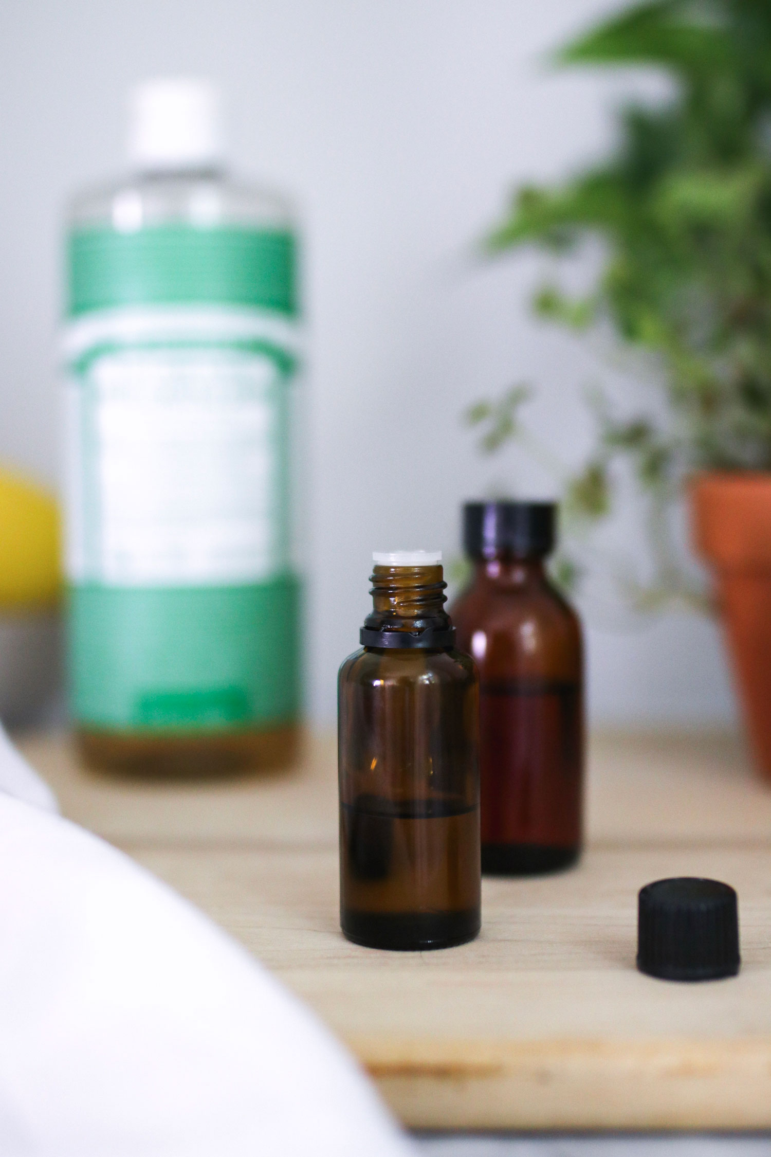 How to clean granite with essential oils
