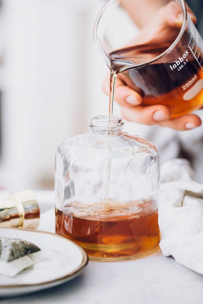 DIY Window Cleaner with Black Tea