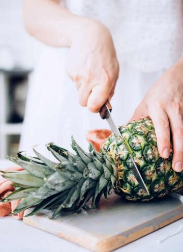 How to cut a pineapple - Hello Nest