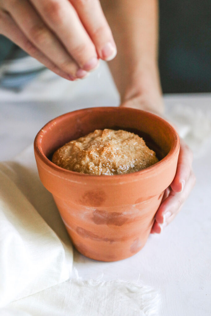Making bread in a flowerpot