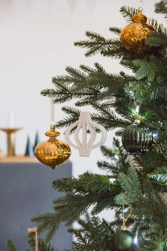 DIY Clay Bauble Outline Ornament from Fall For DIY