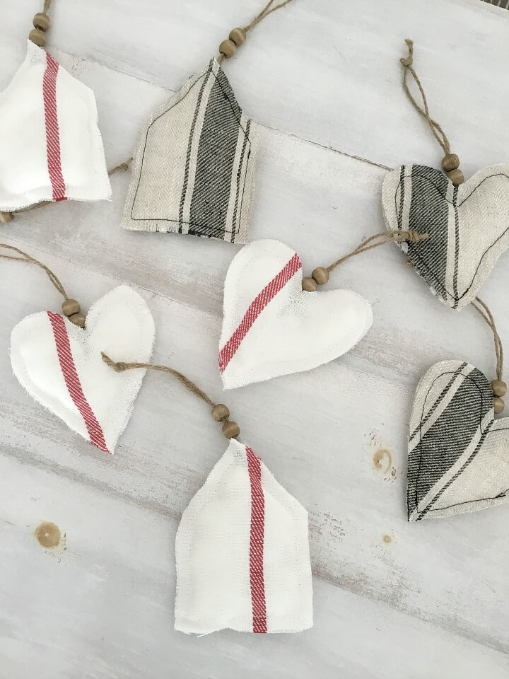 Simple DIY Farmhouse Style Fabric Holiday Ornaments from Northern Feeling