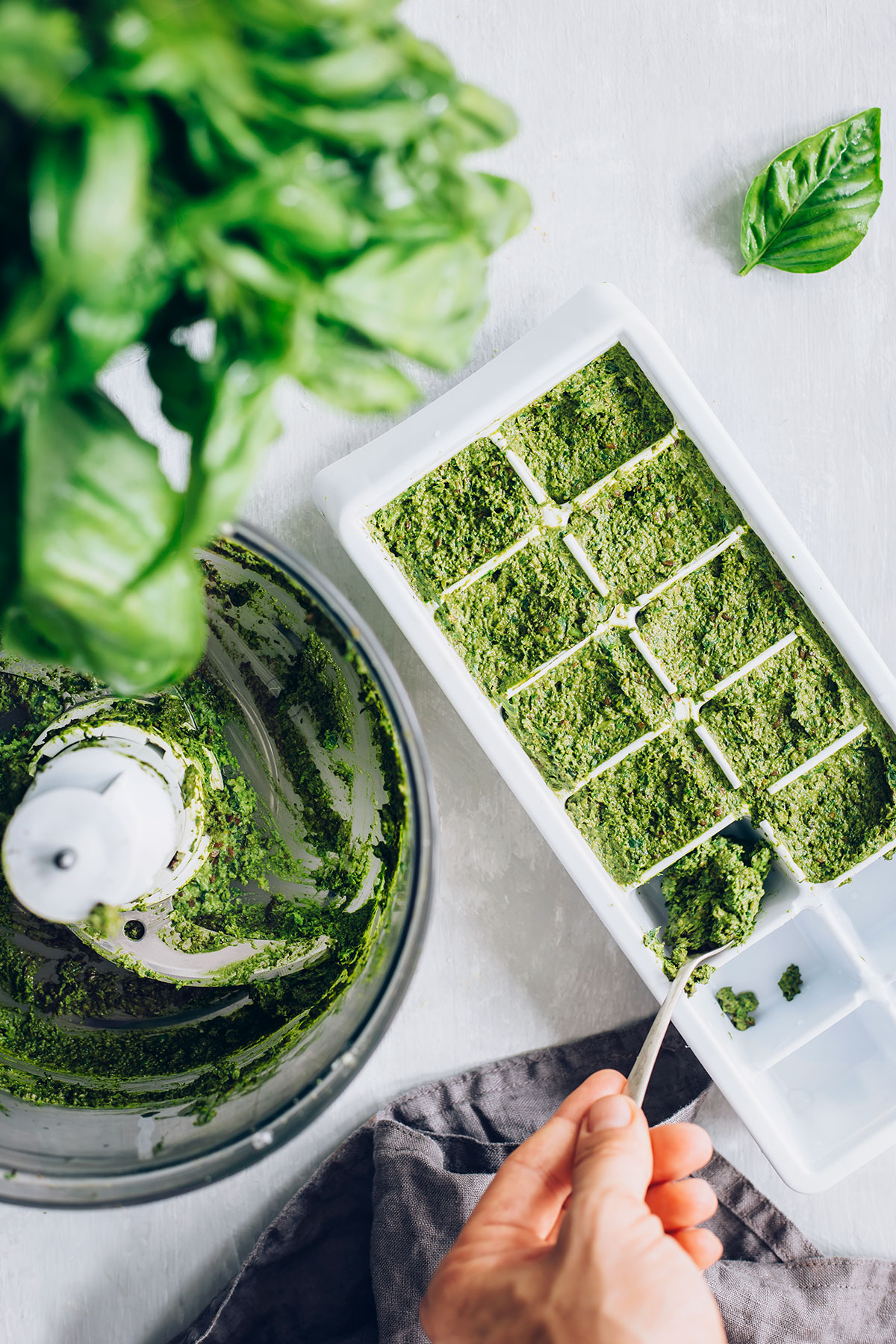 How to make freezer pesto